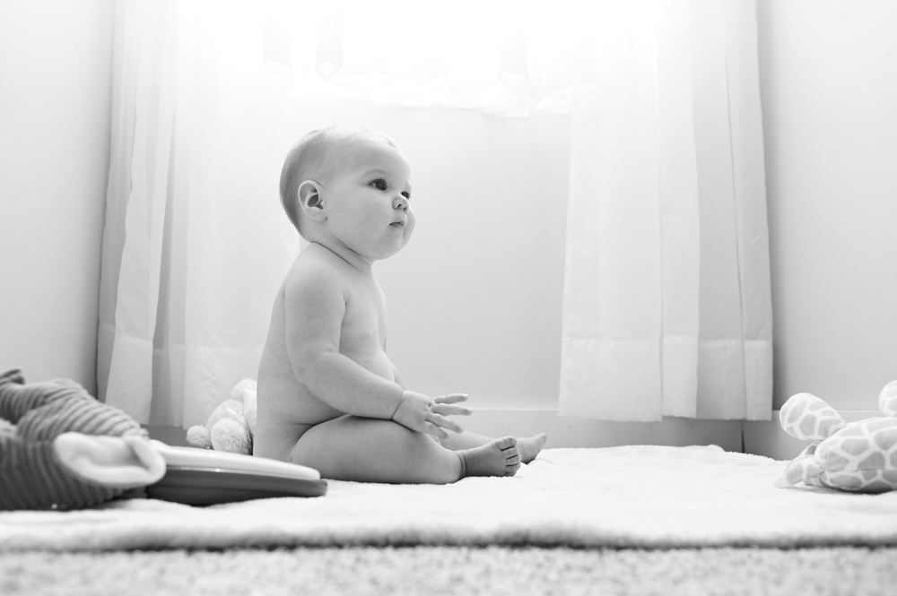 baby, portraits, indoor, lifestyle, its the everyday, atlanta, monthly, black and white, natural light