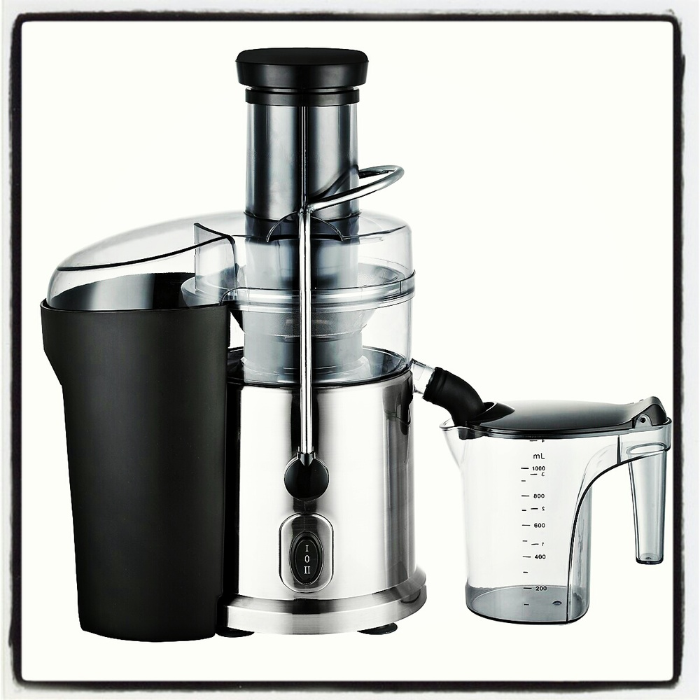 DASH juicer by Storebound.  MSRP $139.99.