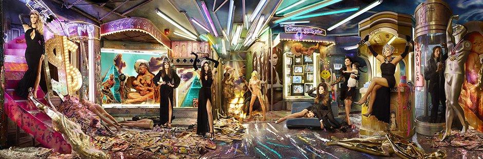 The-Kardashian-Christmas--001.jpg