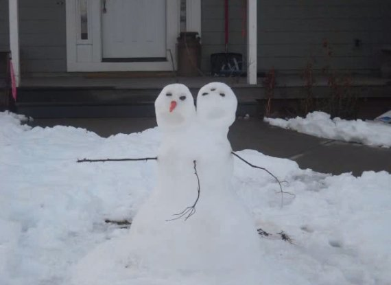 o-TWO-HEADED-SNOWMAN-570.jpg