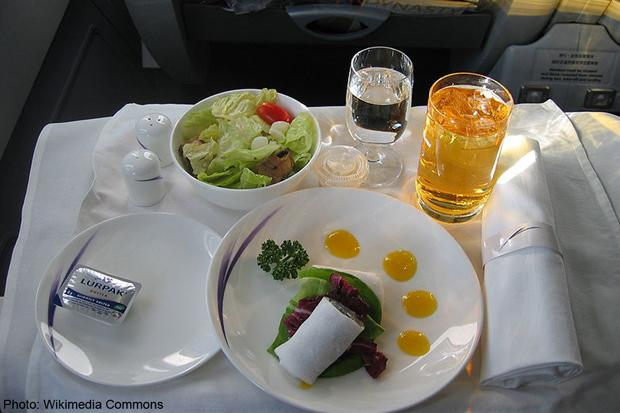 flightfood_wikimedia_relax.jpg