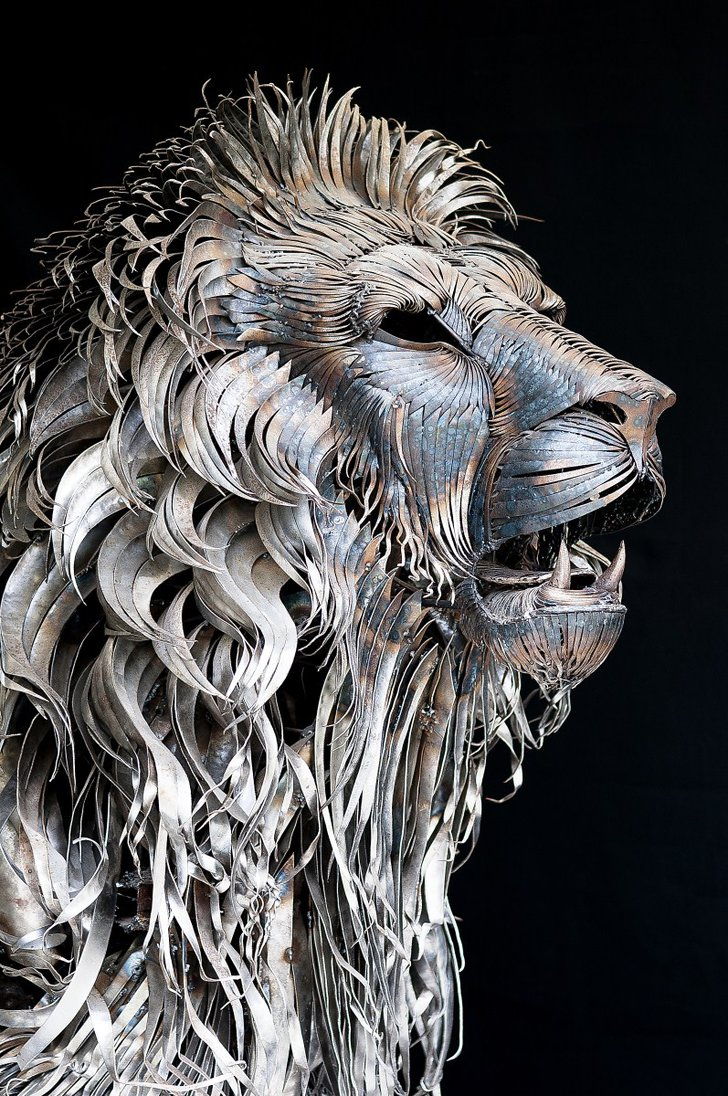 metal_lion_sculpture-by-selcuk-yilmaz4.jpg