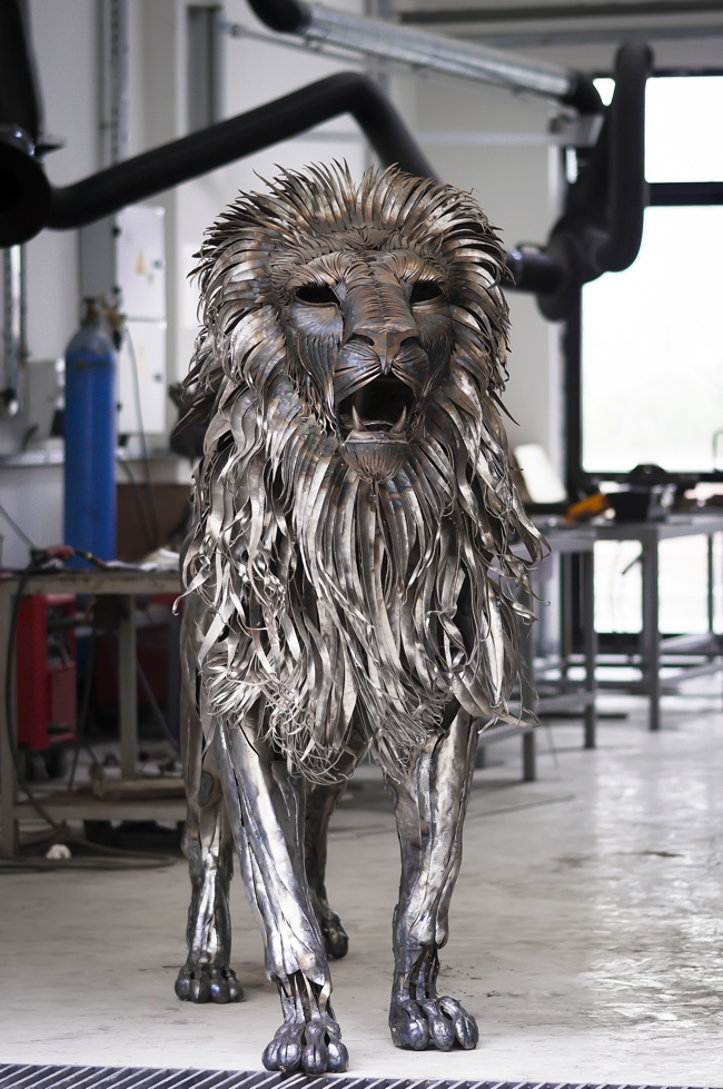 metal_lion_sculpture-by-selcuk-yilmaz3.jpg