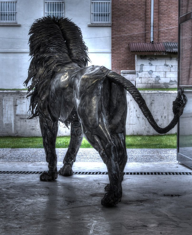metal_lion_sculpture-by-selcuk-yilmaz2.jpg