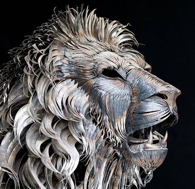 metal_lion_sculpture-by-selcuk-yilmaz-normal.jpg