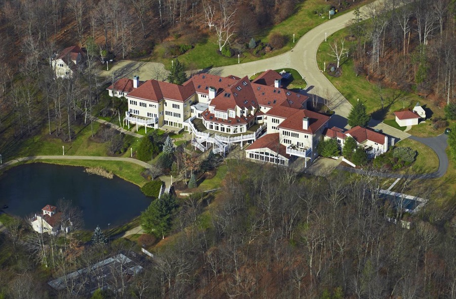 50-Cent's-Palatial-Estate-in-Farmington-2.jpg