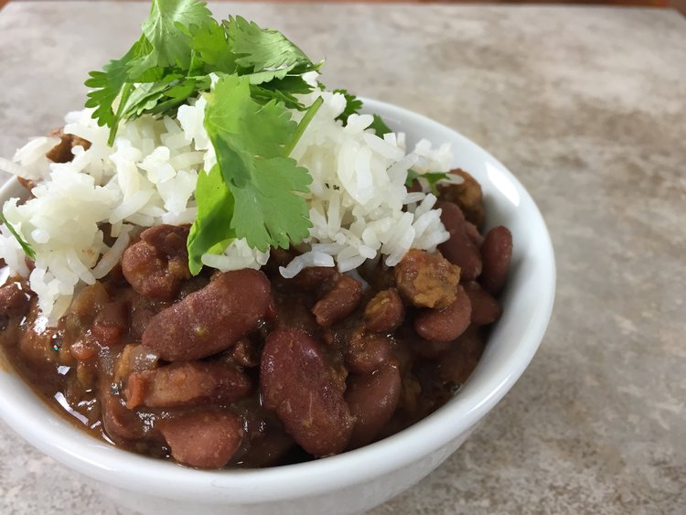 Vegan chili recipe video just throw it in the slow cooker brown i love chili its easy filling and versatile forumfinder Image collections