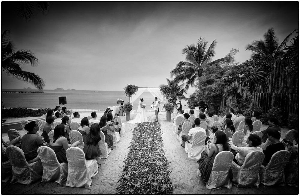 beachwedding01.jpg