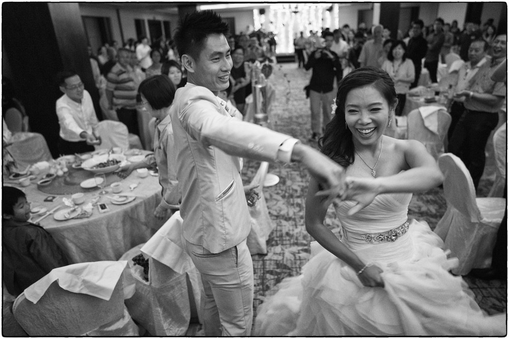 The Twirl (Batis 2/25mm, ISO3200, f2 @ 1/125)