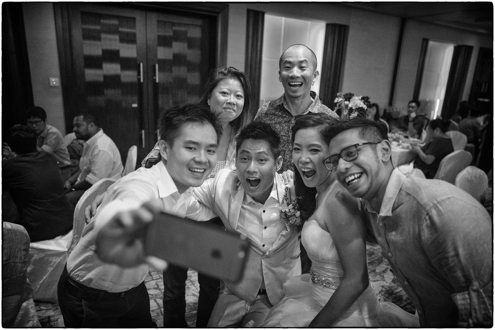 The Wefie (Batis 2/25mm, ISO4000, f2 @ 1/320)