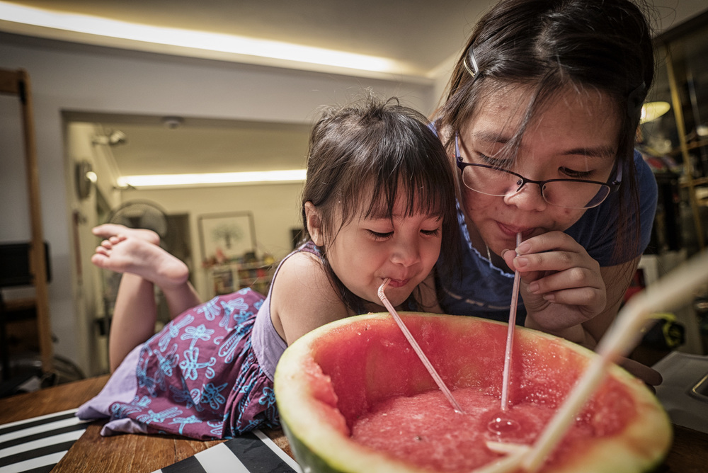 Watermelon Slushie (A7SII, Batis 2.8/18mm, ISO800, f2.8 @ 1/50)