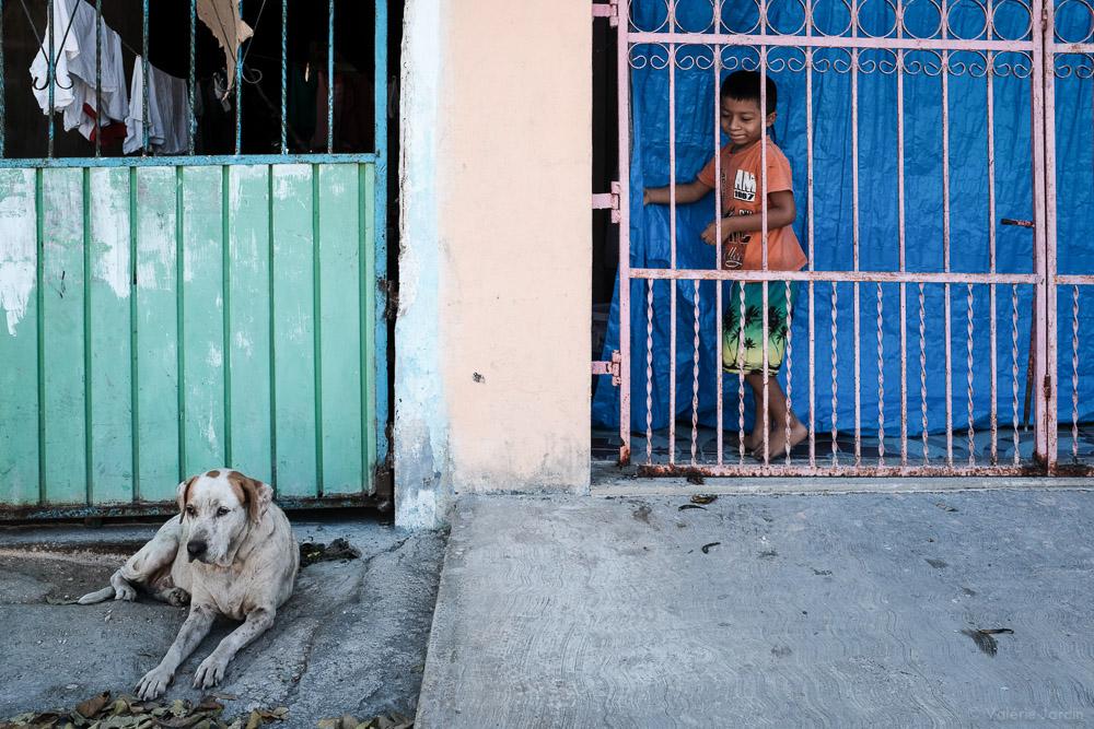 ©Valérie Jardin - boy and dog-1.jpg