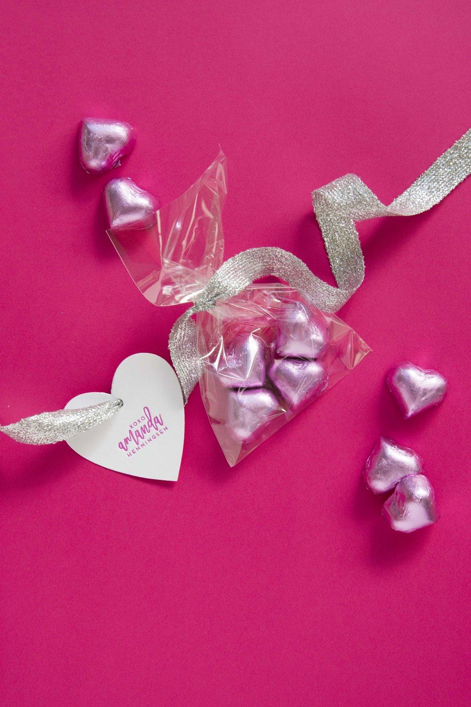 PGT_T98_Stylized_Valentine_HeartChocolates_HautePapier.JPG