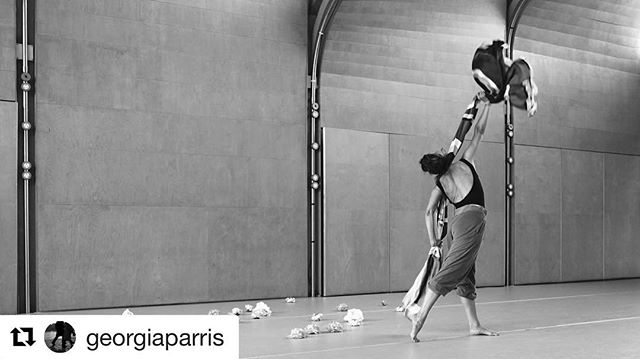 #Repost @georgiaparris with @repostapp ・・・ #abandonshortfilm #EEFF2017 . . #contemporarydance #dancefilm #shortfilm #womeninfilm Photo by @elaineperks