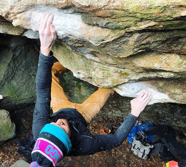 Killer day sampling some caves in and around Killingworth CT. Got an early safety send on Night's Watch before flailing on this old nemesis right here. The Weatherman 📸: @abicep