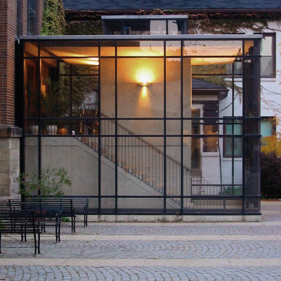 Glass retail fixtures