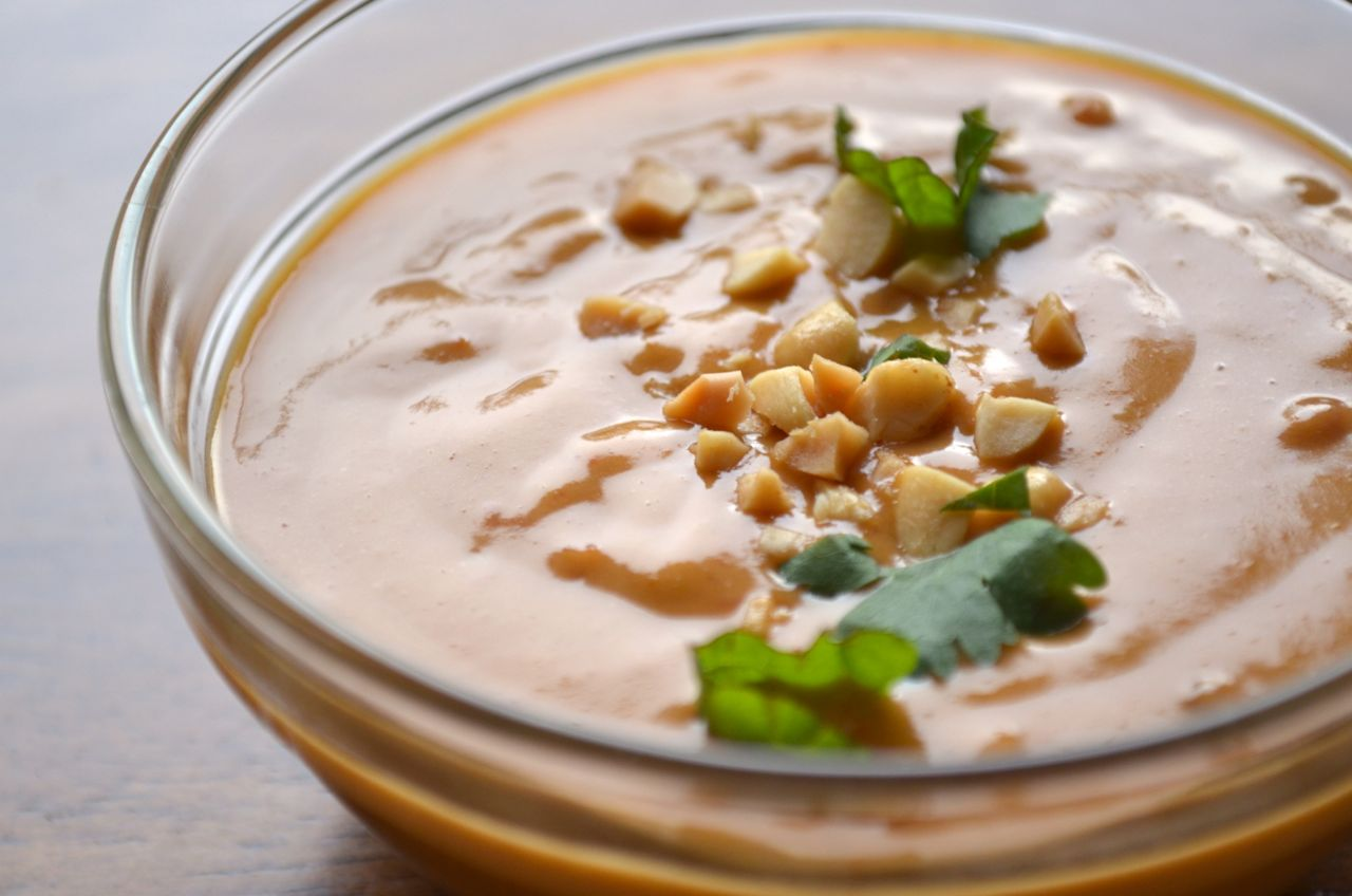 Thai Peanut Sauce {Ms. Buena Vida}