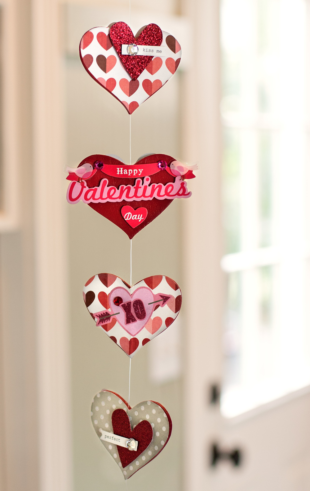 Holiday decor | Valentine\'s Day Garland — me & my BIG ideas