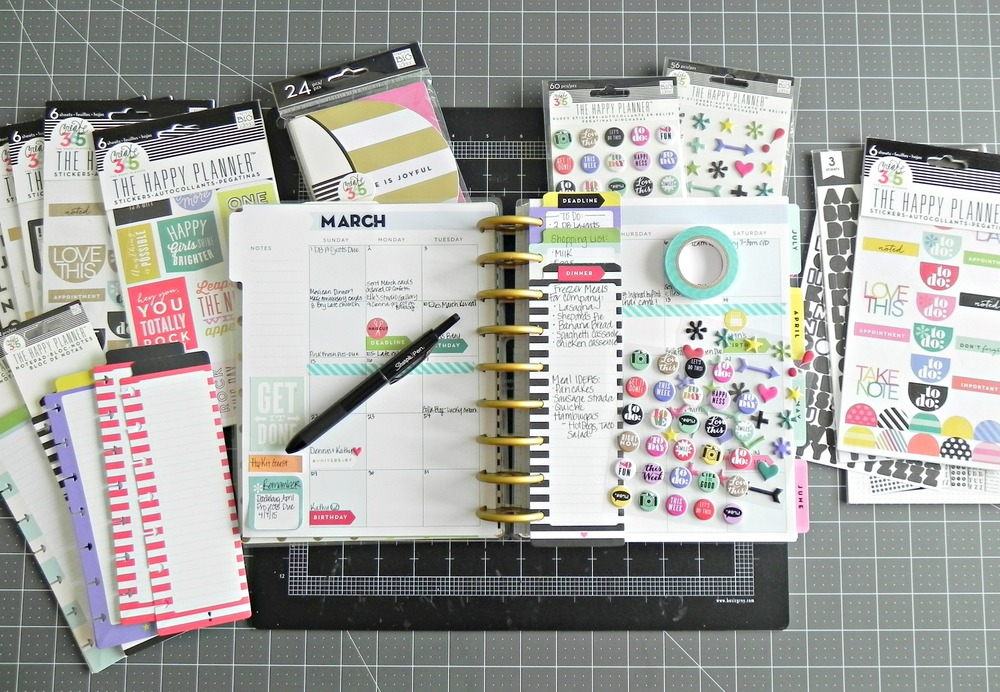 Create 365™ The Happy Planner™ March monthly spread by mambi Design Team member Stephanie Buice | me & my BIG ideas