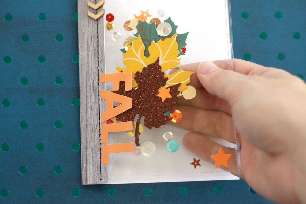 Fall leaves shaker pocket craft by mambi Design Team member Heather Adams | me & my BIG ideas