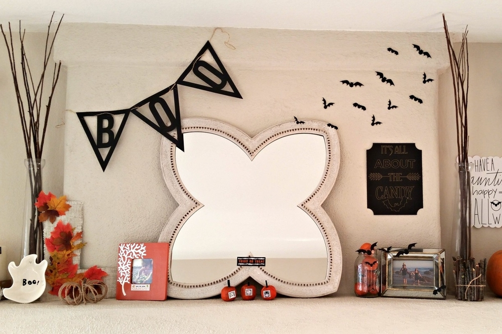 Halloween mantle w/ mambiCHIPS