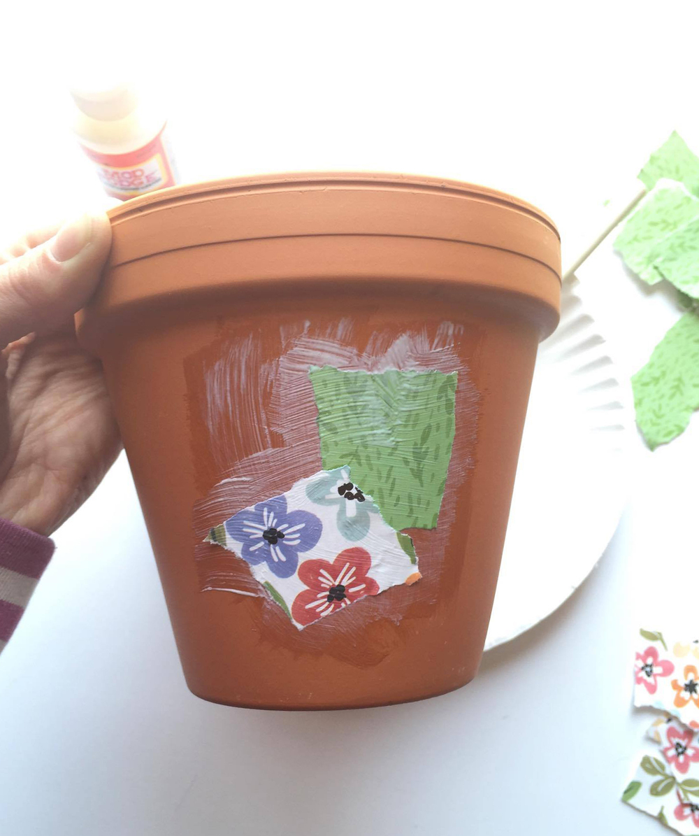 DIY flower pot created by mambi Design Team member Megan McKenna using mambi's new Expandable Paper Pads // Happy Earth Day! | me & my BIG ideas