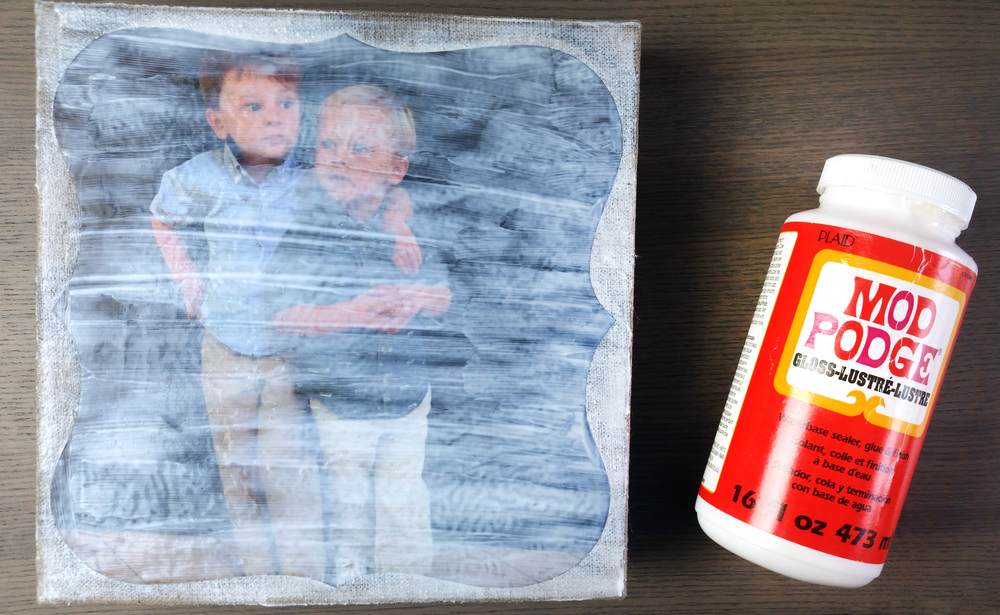 a Mother's Day canvas craft created by mambi Design Team member Nicole Lensen using mambiMAKERS | me & my BIG ideas