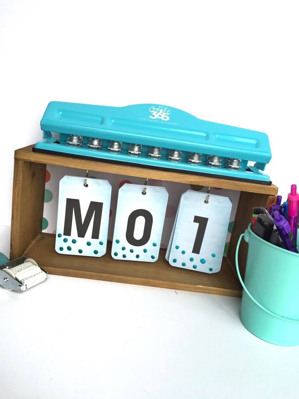 desk calendar craft by mambi Design Team member Megan McKenna | me & my BIG ideas