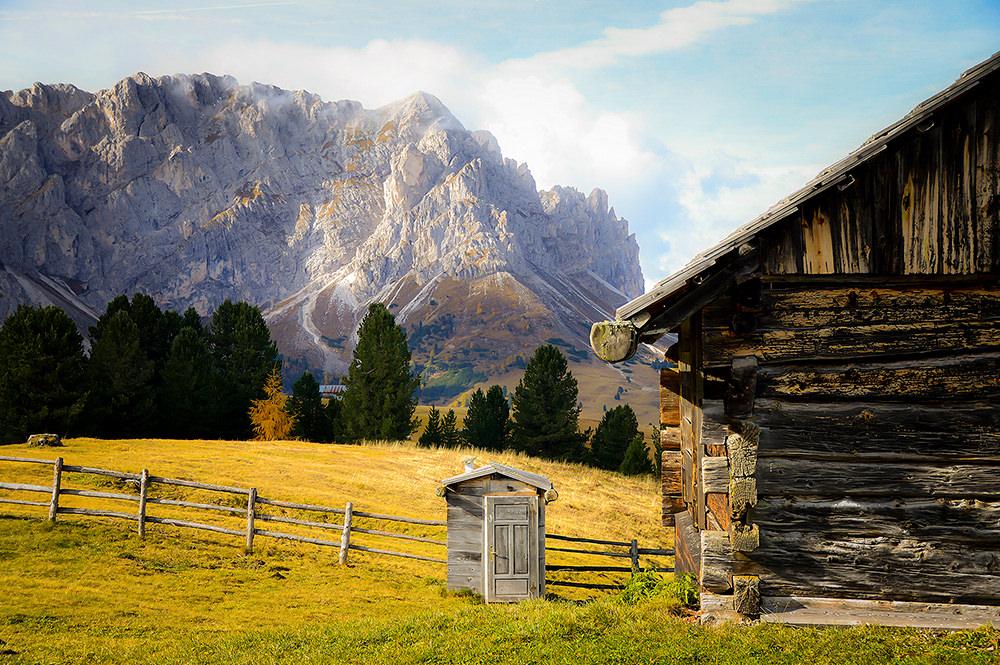 Foto gratis de cabaña y montañas