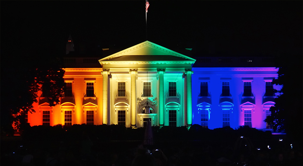 Obama lights up the White House with rainbow colors to celebrate the U.S. Supreme Court ruling on same-sex marriage. Photo © Tedeytan, in Wikipedia.