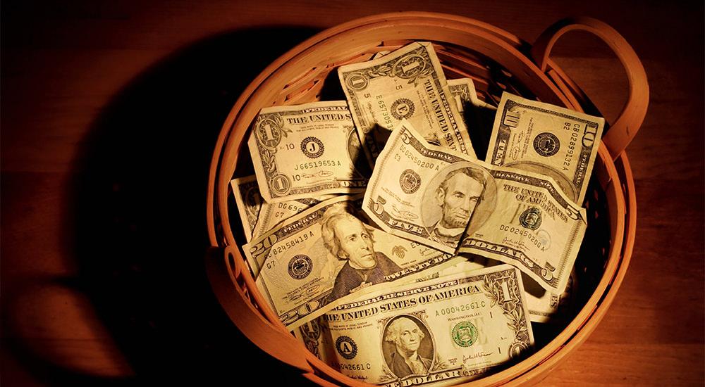 ¿Por qué las Iglesias de Cristo Dependen de la Ofrenda Voluntaria?