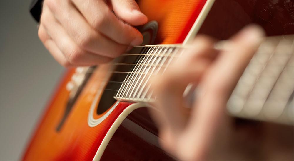¿Qué Dice la Biblia en cuanto a los Instrumentos Musicales en la Adoración a Dios?