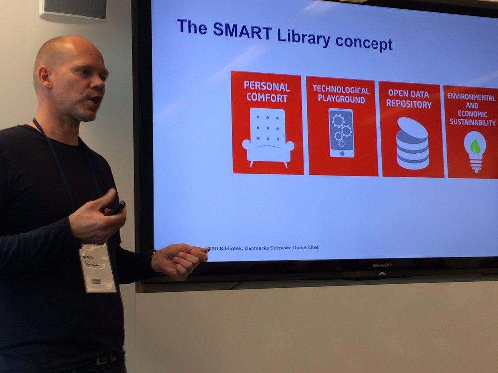 Lars Binau (TU Denemarken) over zijn SMART library concept (foto: Marjo Bakker)