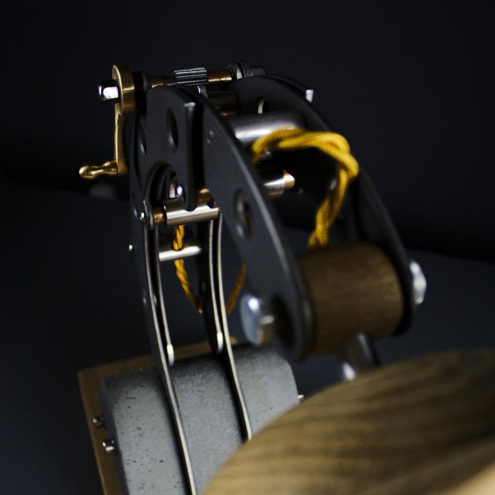 BLOTT WORKS - Daisy lamp - IMG_0186.jpg