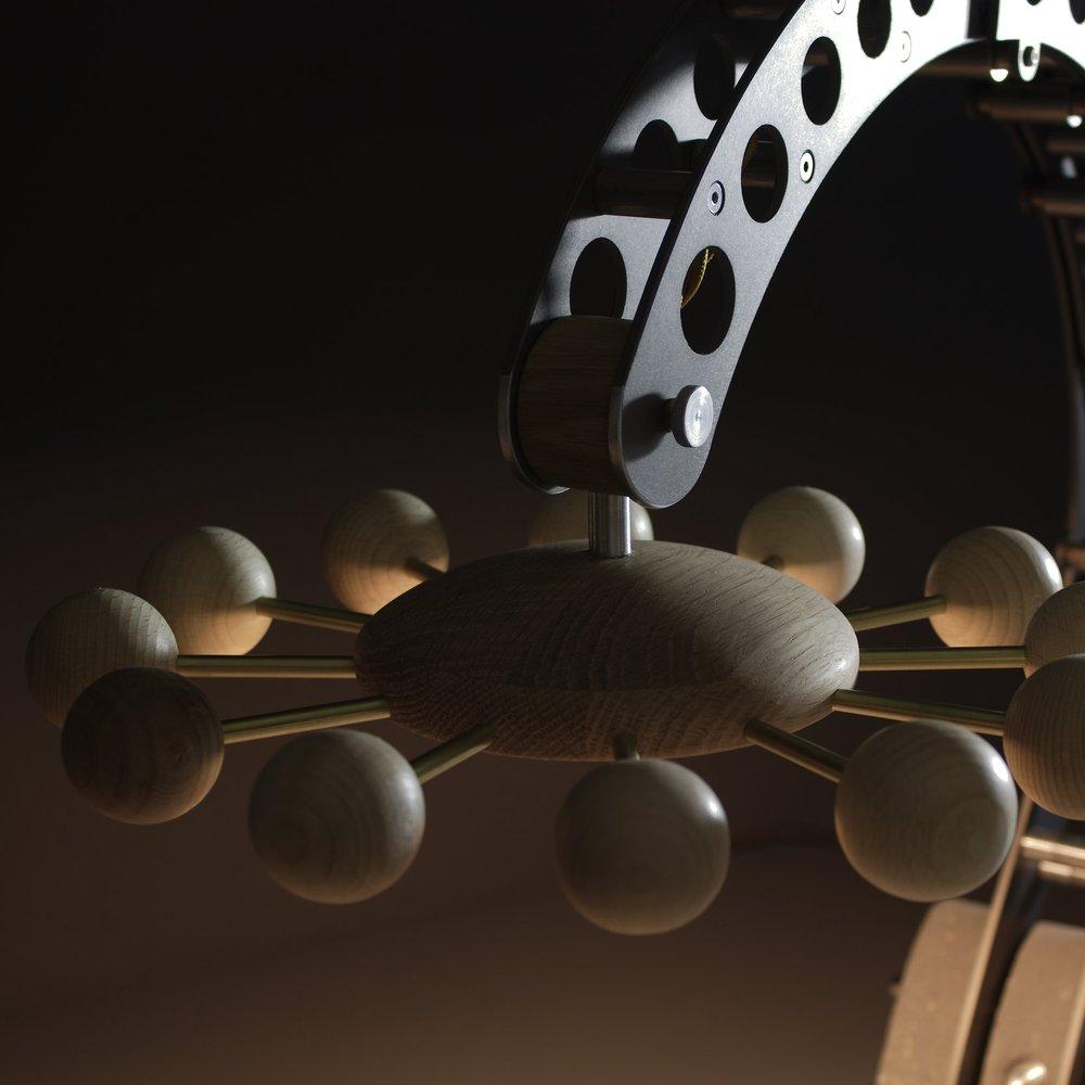 Daisy Crane Special sculptural lamp