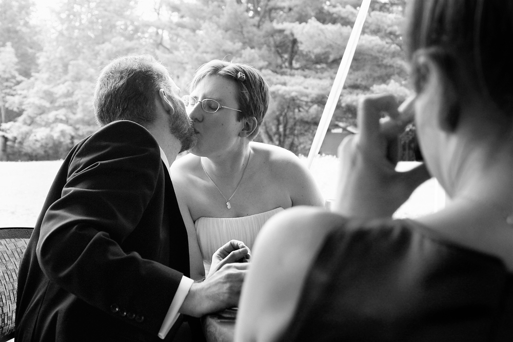CreativeWeddingPhotos_Kiss.jpg