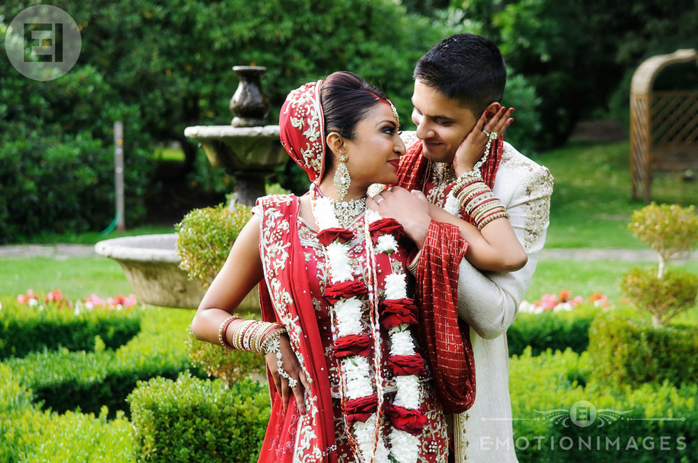 151_Asian Wedding Photographer London_034.jpg