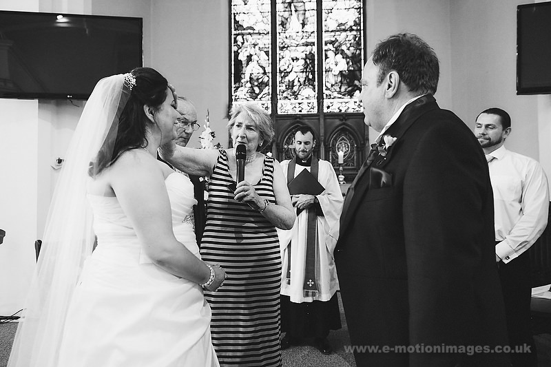 Tina_and_Gerrard_wedding_web_380.JPG