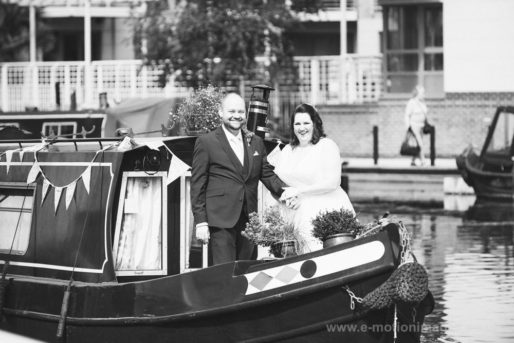 Emily_and_Neil_260817_239B&W_web_res.JPG
