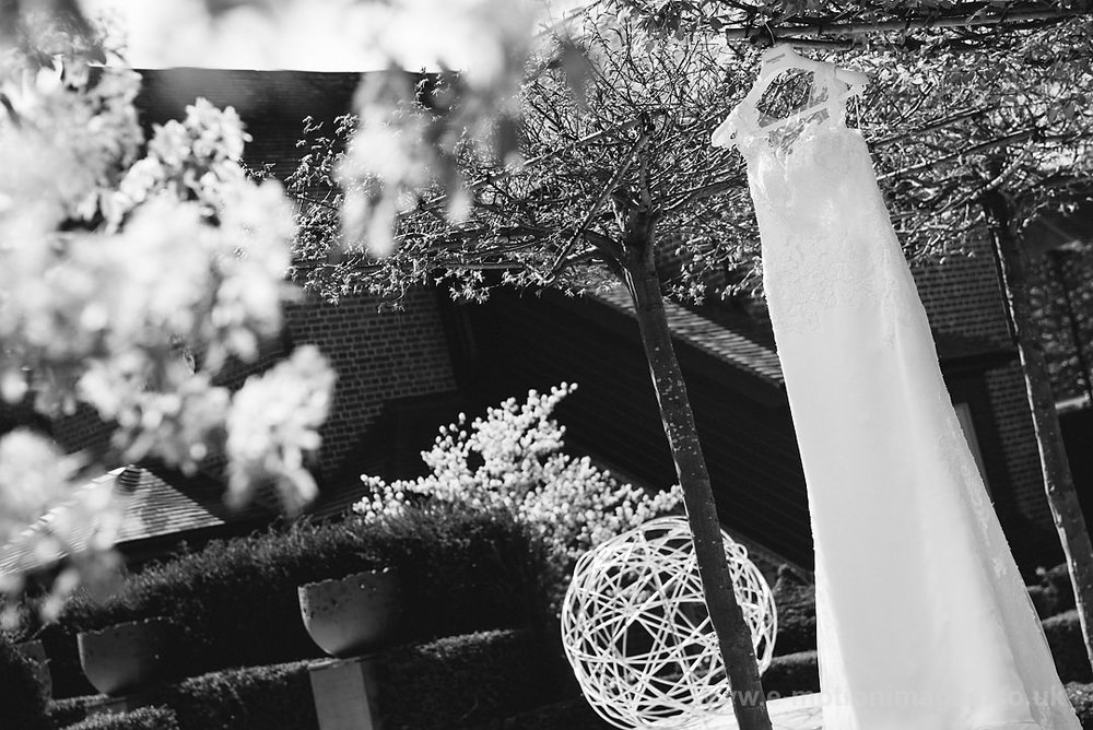 Karen_and_Nick_wedding_026_B&W_web_res.JPG