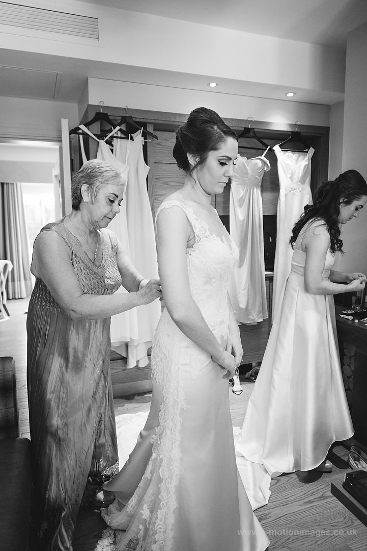 Karen_and_Nick_wedding_082_B&W_web_res.JPG