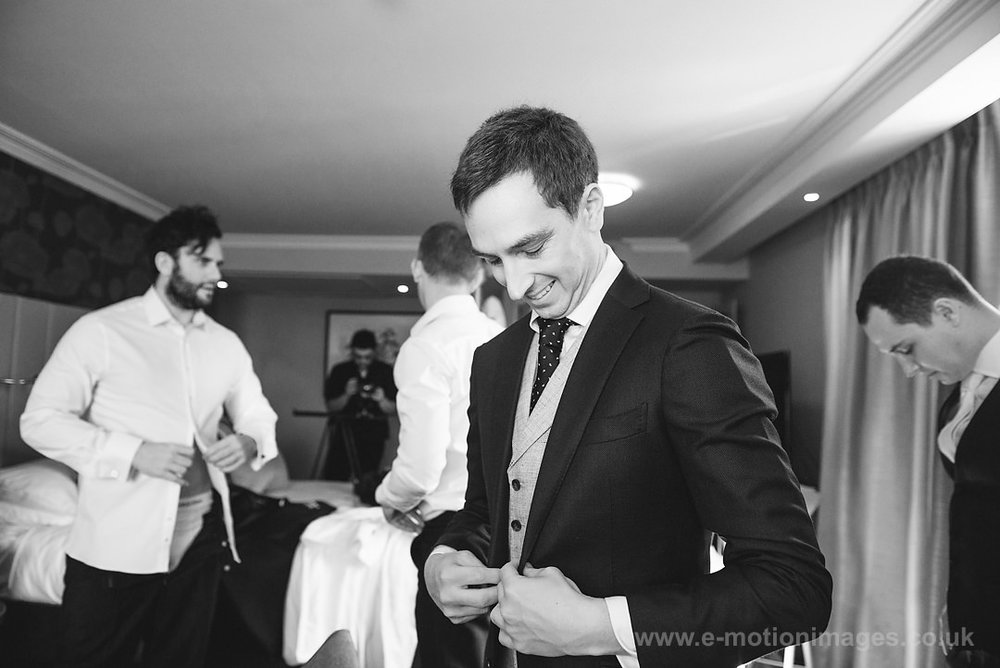 Karen_and_Nick_wedding_106_B&W_web_res.JPG