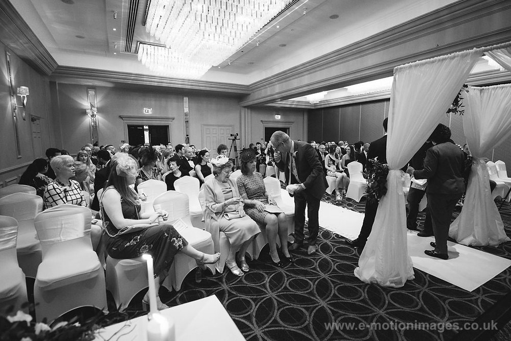 Karen_and_Nick_wedding_157_B&W_web_res.JPG