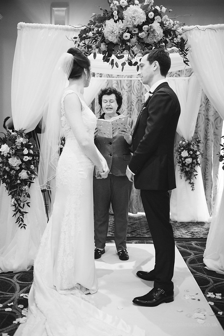 Karen_and_Nick_wedding_190_B&W_web_res.JPG
