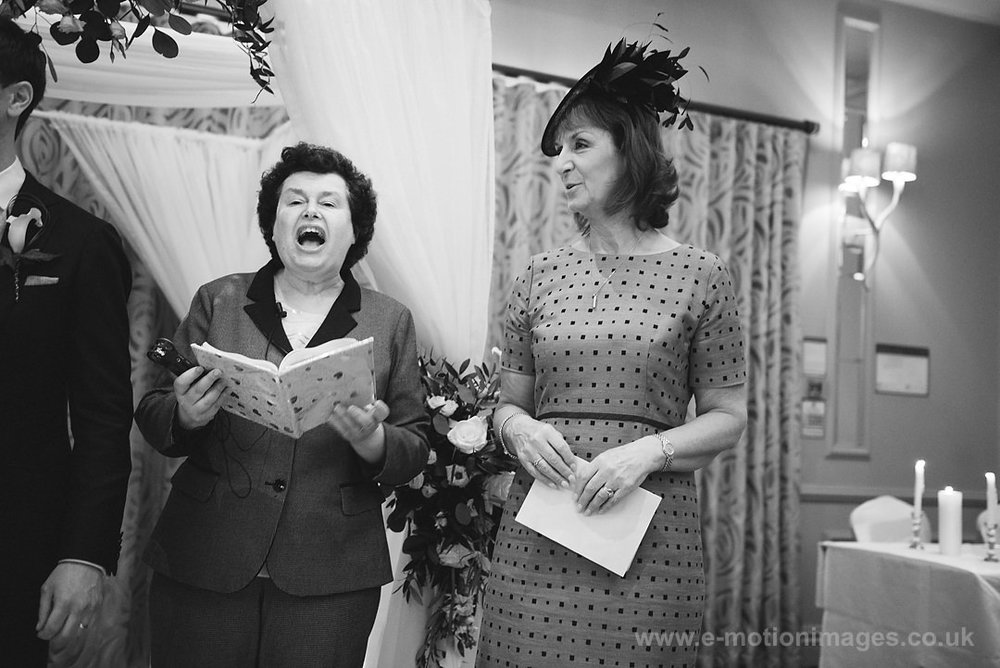 Karen_and_Nick_wedding_220_B&W_web_res.JPG