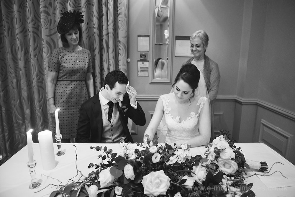 Karen_and_Nick_wedding_221_B&W_web_res.JPG