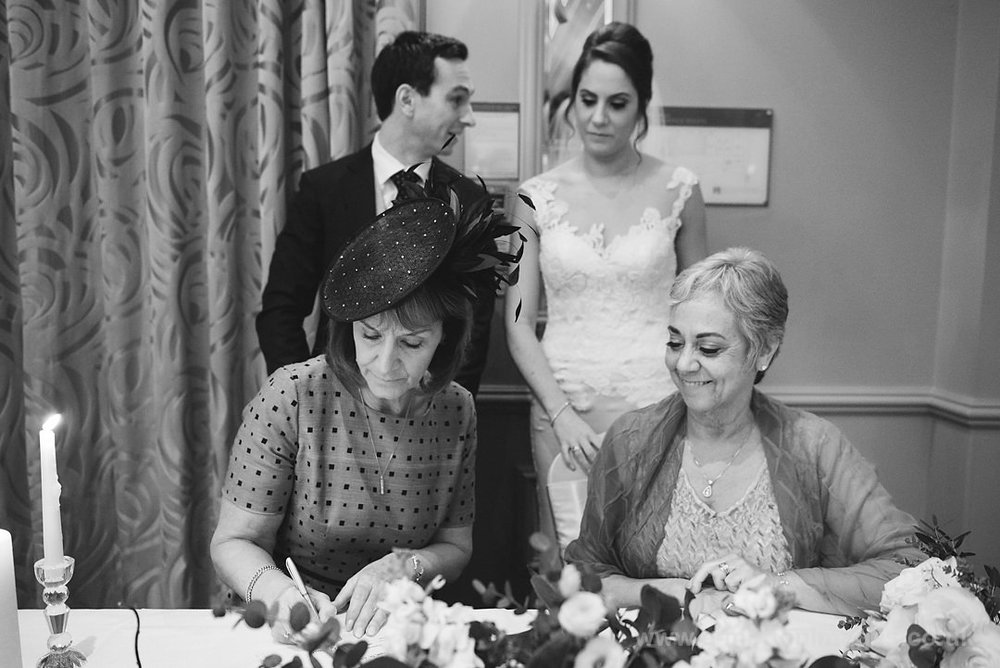 Karen_and_Nick_wedding_226_B&W_web_res.JPG