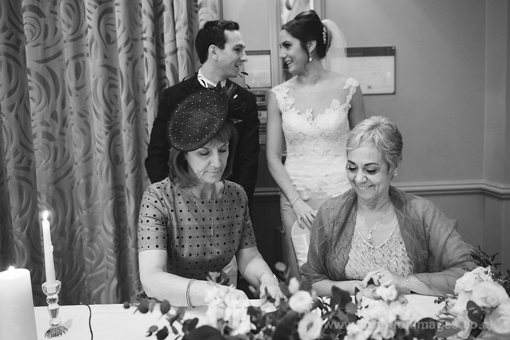 Karen_and_Nick_wedding_227_B&W_web_res.JPG