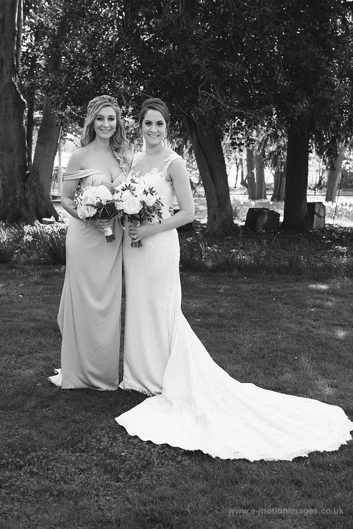 Karen_and_Nick_wedding_300_B&W_web_res.JPG