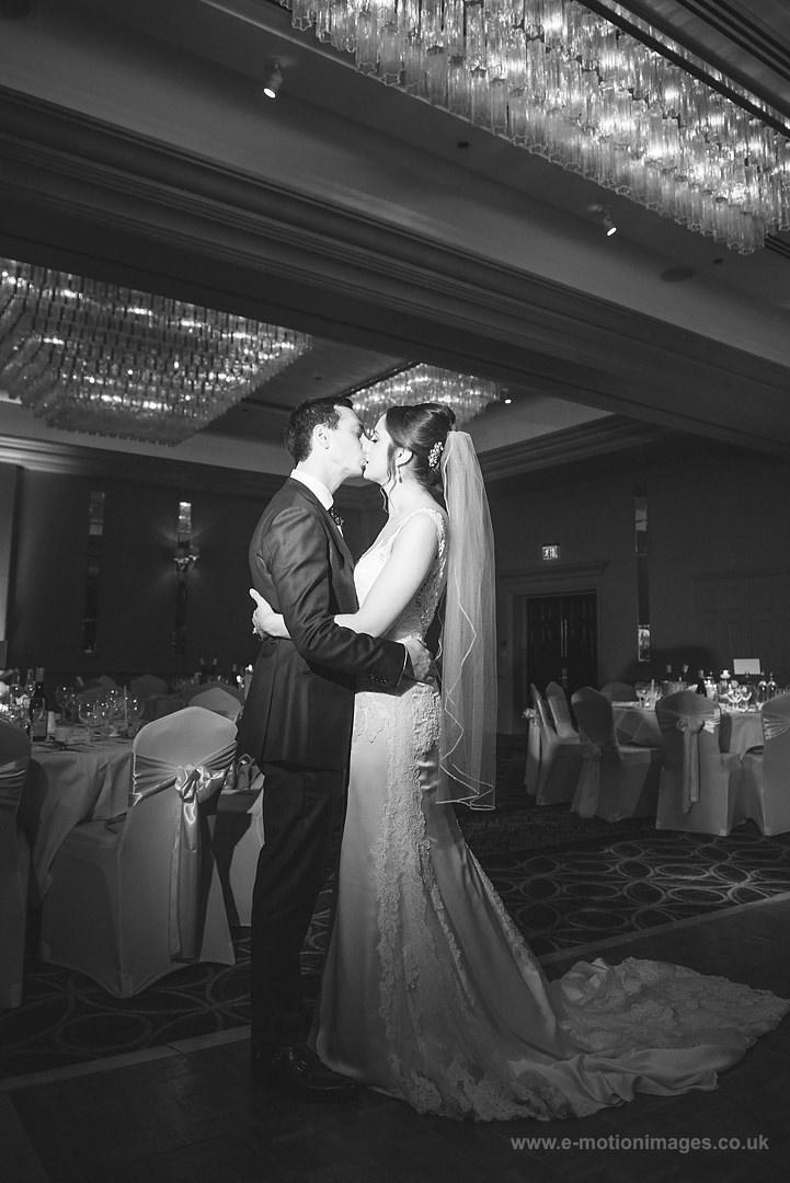 Karen_and_Nick_wedding_320_B&W_web_res.JPG